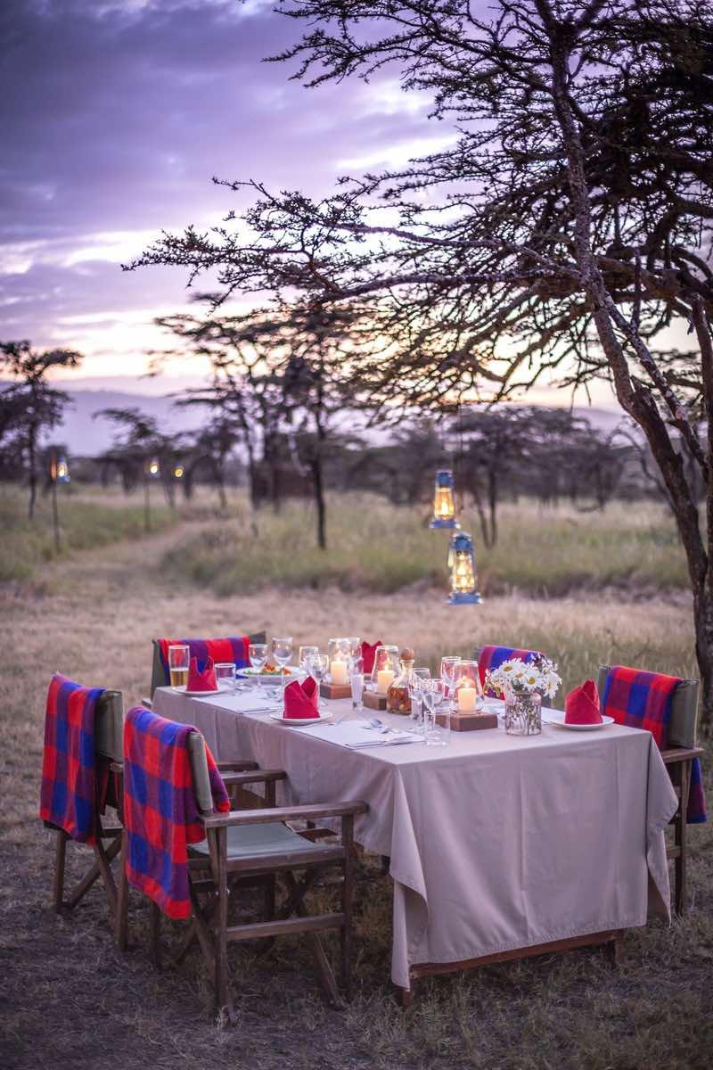 Sirioi-Lodge-Bush-dinner