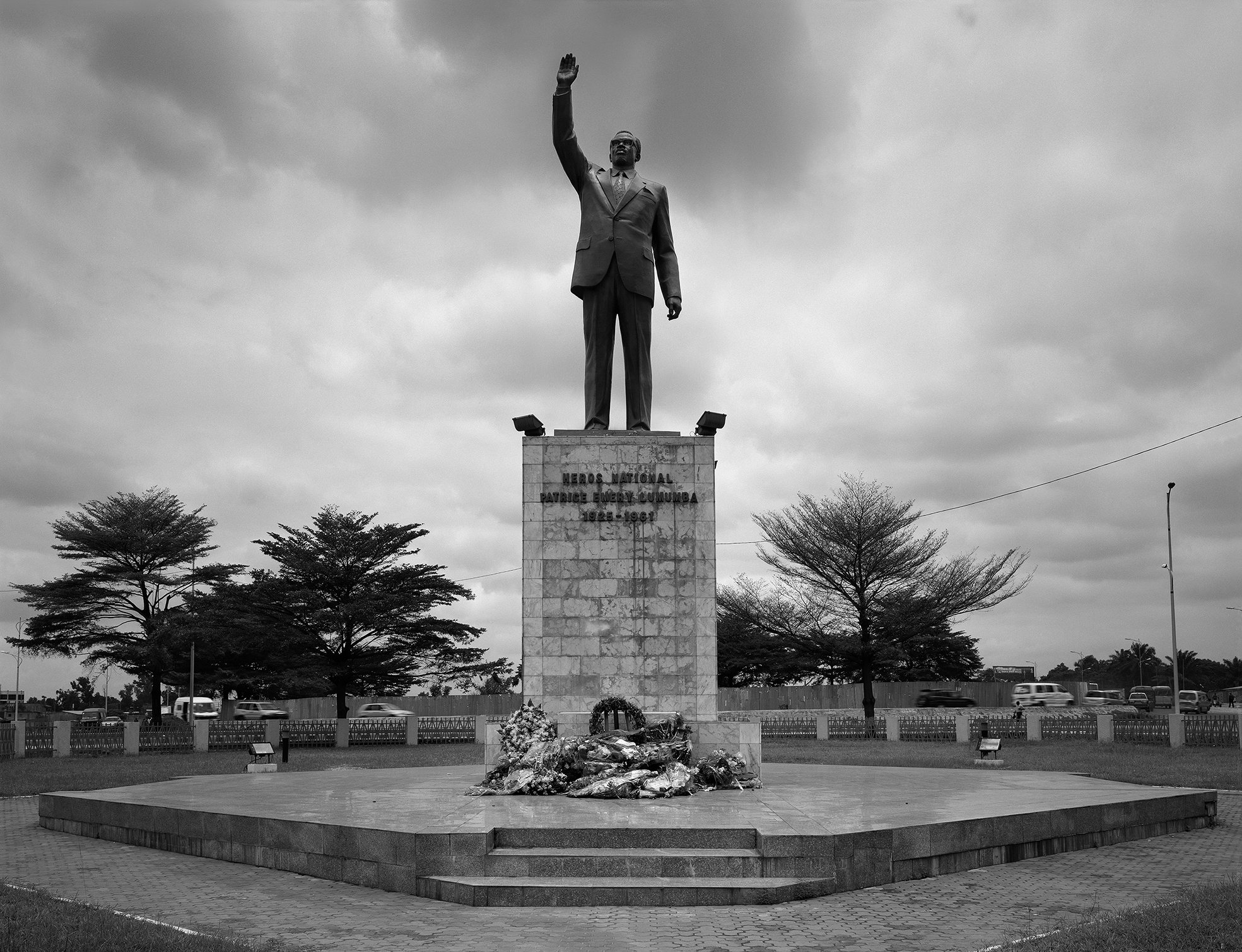 Onejoon-Che-Statue-of-Patrice-Lumumba-built-by-North-Korea-in-2002-Kinshasa-DR-Congo-2013