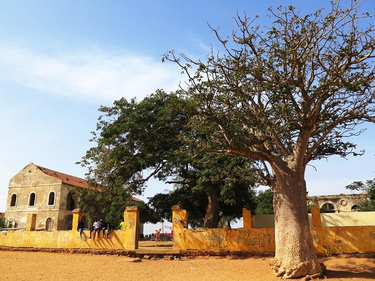 Edifices-abandonnés-goree-senegal