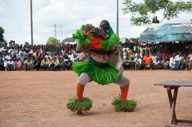 gouro masks and danses; Folklore gouro
