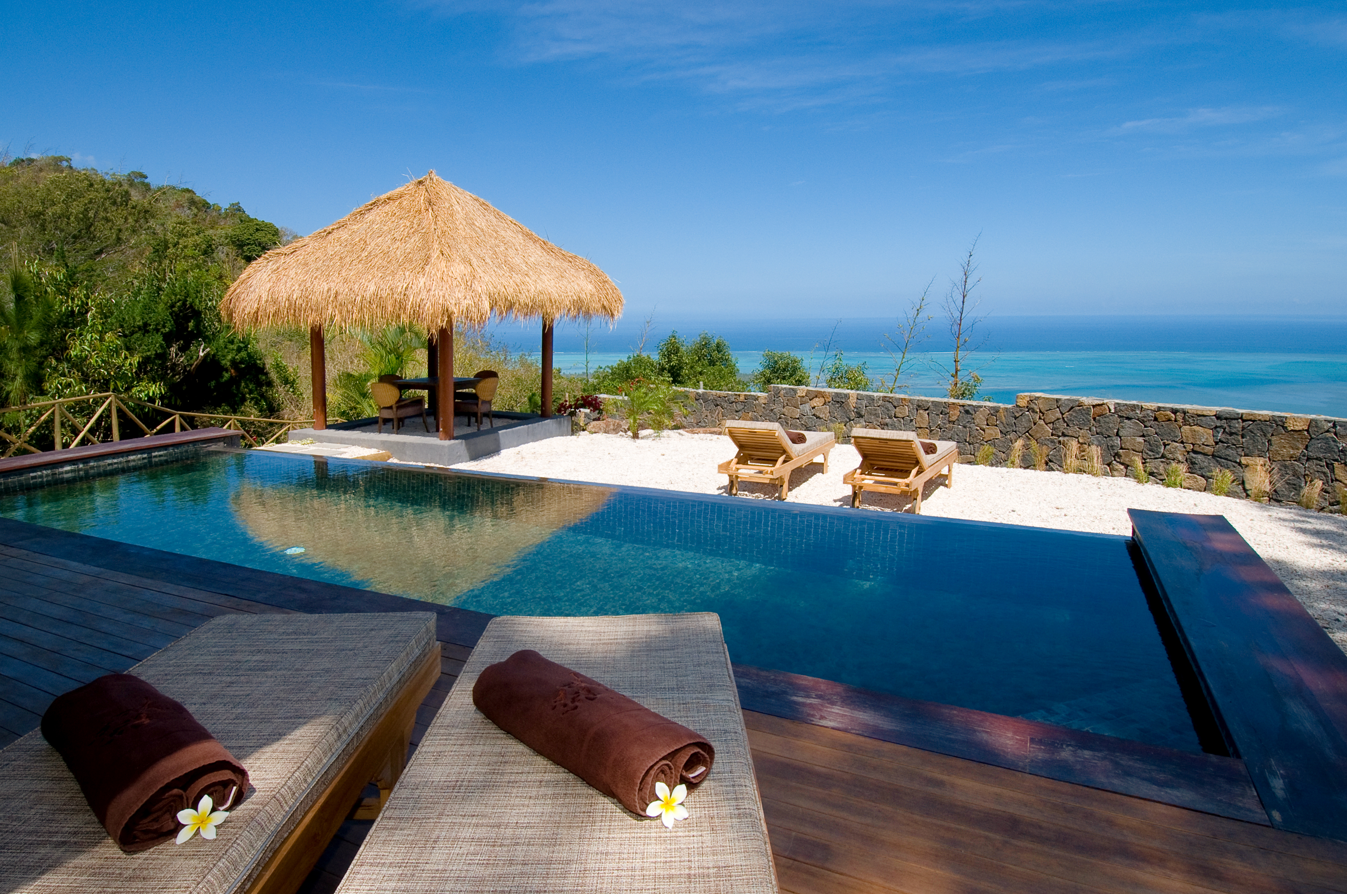 Seaview-pool-Suite-Lakaz-Chamarel-Exclusive-Lodge-Mauritius