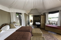 Zambia-luangwa-valley-bedroom-lodge