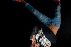 Depuis toujours, Dieu-Merci, un garçon de 13 ans de Kisangani, rêve de devenir danseur. C'est une passion qu'il a cultivé très jeune, motivé par les critiques positives de sa famille et des ses camarades. Aujourd'hui, il souhaite intégrer les studios Kabako, créé par son ainé, le danseur congolais Faustin Linyekula, à Kisangani, pour préparer et participer à des concours de danse, des ateliers et des festivals. / Dieu-Merci, a 13-year-old boy from Kisangani, has always dreamed of becoming a dancer. It is a passion he cultivated very young, motivated by the positive criticisms of his family and his comrades. Today, he wants to integrate the Kabako studios, created by his elder, the Congolese dancer Faustin Linyekula, in Kisangani, to prepare and participate in dance competitions, workshops and festivals.
