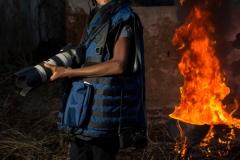"""Naomie, 12 ans, est une enfant-reporter formée et encadrée par l'organisation GAJ-reporter soutenue par l'UNICEF. Elle est la plus jeune de l'équipe et souhaite concrétiser cette expérience en devenant journaliste-reporter professionnel afin de «prêter sa voix à ceux qui ne peuvent pas s'exprimer». / Naomie, 12 years-old, is a child-reporter trained and mentored by the UNICEF-supported organisation GAJ-reporter. She is the youngest on the team and wants to make this experience a reality by becoming a professional journalist-reporter in order to be the voice of those who can not express themselves""""."""