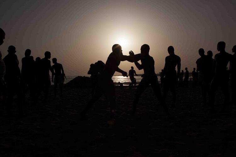 sunset-wrestlers-senegal