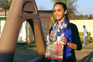 Fanny Sangara en plein interview pour le lancement de Yaha Shop !
