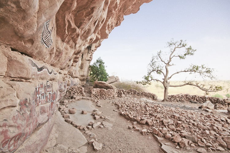 The Dogon Fortress, an oasis in the heart of the Malian Sahel
