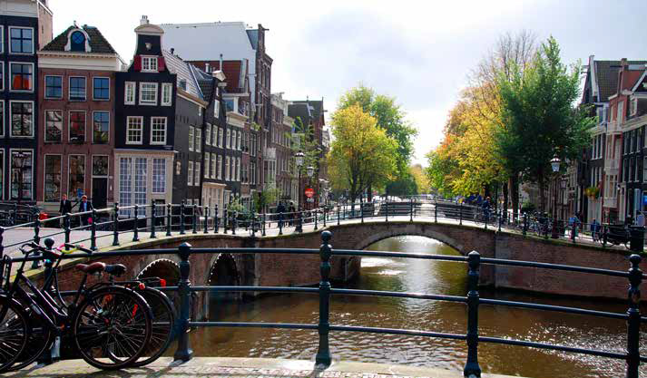 Break in a city : Amsterdam