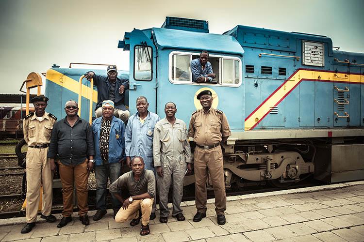 Voyage à bord du train blanc entre Matadi et Kinshasa